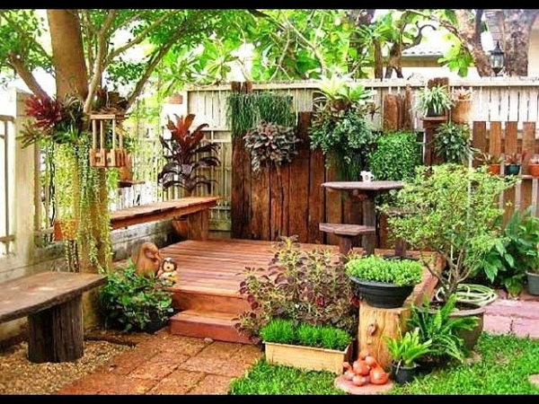 Зона отдыха на приусадебном участке Даче Rest area in the garden A Video