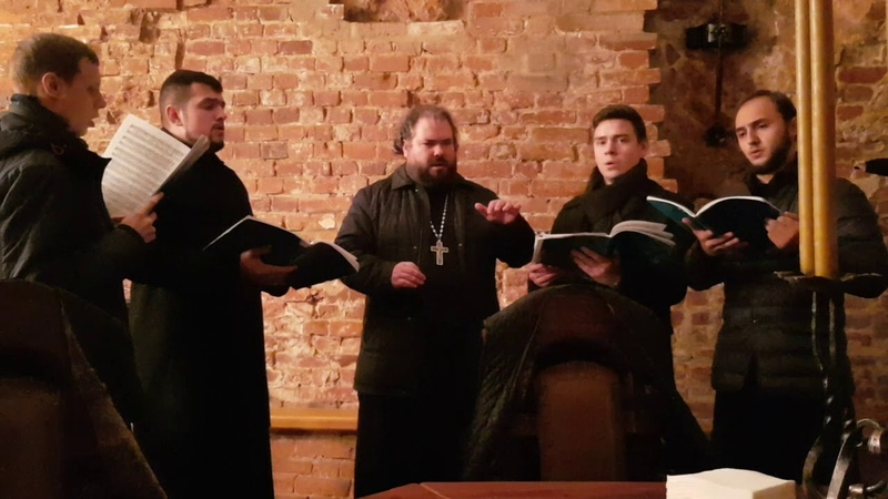 Квартет хора Московской духовной академии во главе с регентом