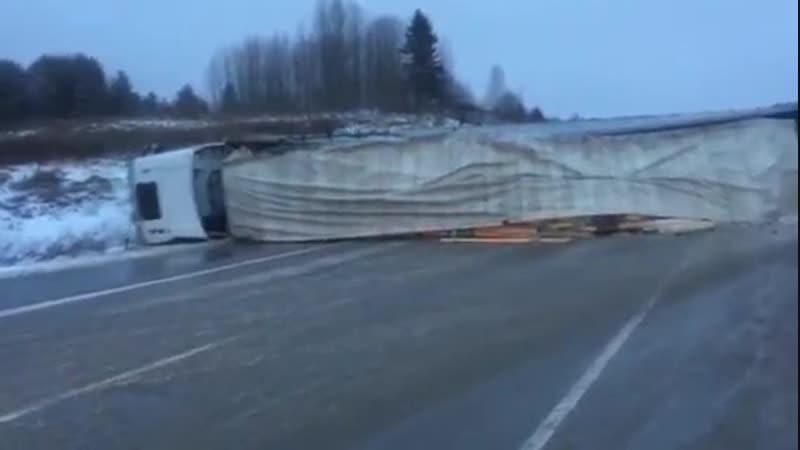ДТП с фурой и Audi на трассе Пермь — Березники № 2