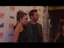 Арми Хаммер и супруга Элизабет Чэмберс на красной ковровой дорожке Международного кинофестиваля в Торонто 07 09 2018