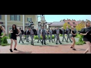 Pudhu Metro Rail song promo -