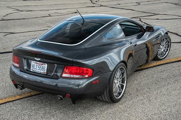 Очень редкие : Aston Martin Vanquish S `2005