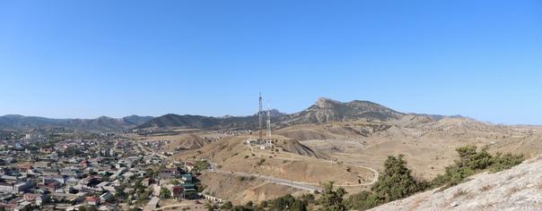 Вид на окраину и восточное шоссе