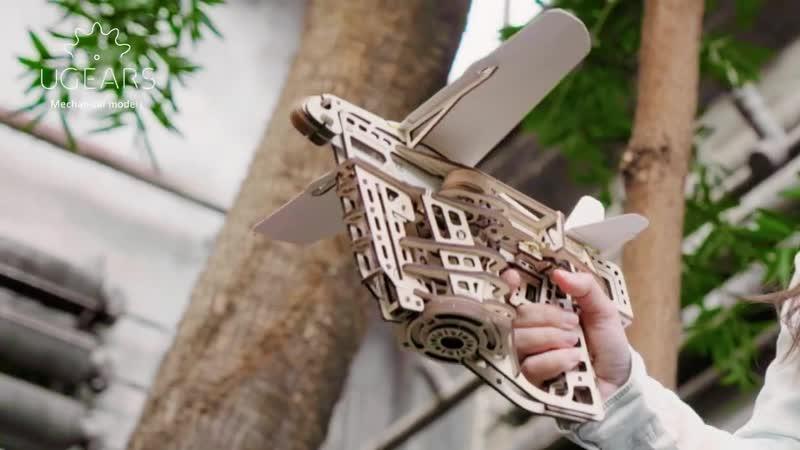 Пускатель самолётиков от UGEARS самый улётный деревянный конструктор