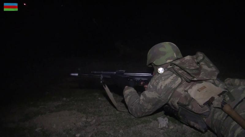Hərbi birlikdə döyüş atışlı gecə təlimi keçirilib - 26.12.2018
