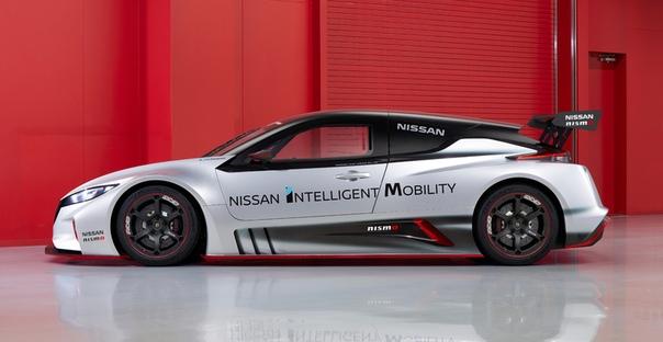 Новый шоу-кар Nissan Leaf Nismo RC: теперь с полным приводом Фото: компания NissanИ у шоу-каров могут меняться поколения! Впервые автомобиль под названием Nissan Leaf Nismo RC был представлен в