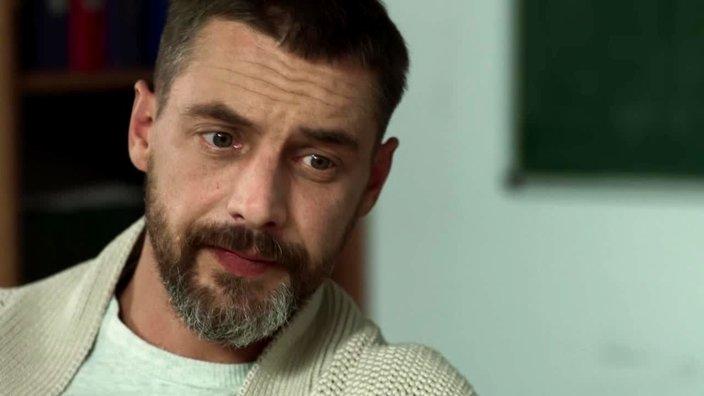 Смотреть сериал Год собаки (2018) 1 сезон 1 серия в хорошем качестве