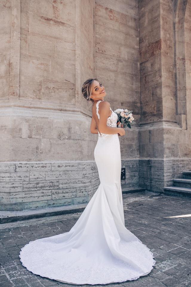 Это наше свадебное платье для красивой, нежной @kris_kriskis