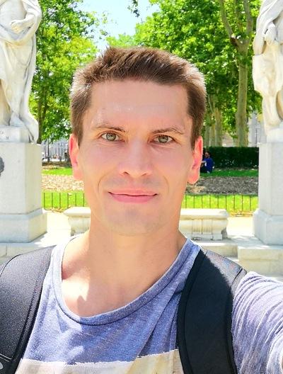 Евгений Леонидов