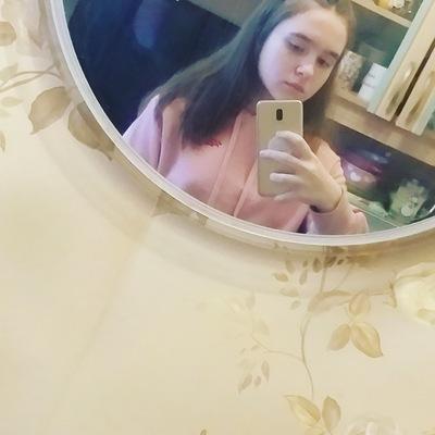 Аня Тихонович