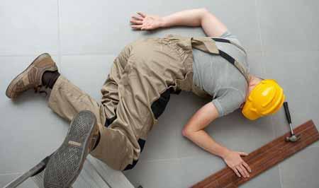 Инспекторы OSHA оценивают рабочие места, где произошли несчастные случаи.