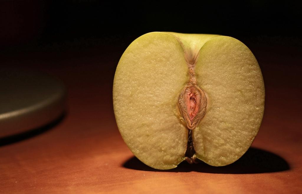 Смотреть вагина в виде персика
