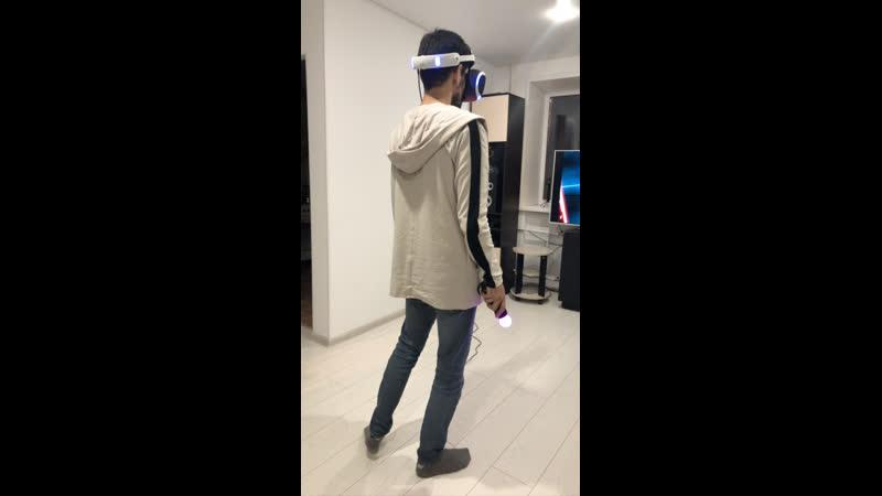 Пашка и Света знакомятся с VR шлемом