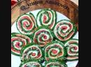 Рулет из шпината с красной рыбкой и сливочным сыром полезен и вкусен