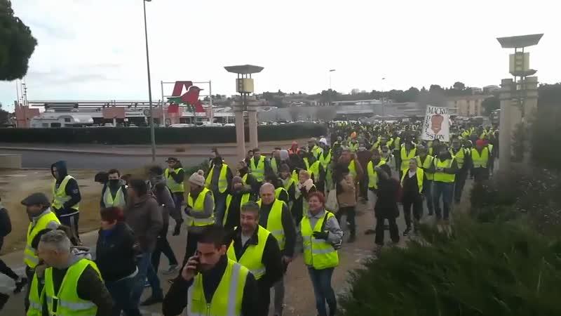 ACTE X démobilisation à Béziers où on compte 3 Gilets Jaunes
