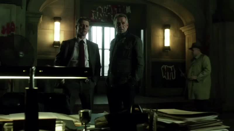 GOTHAM • SEASON 4x22• Bruce forced by Mayor to talk to Jeremiah in the GCPD