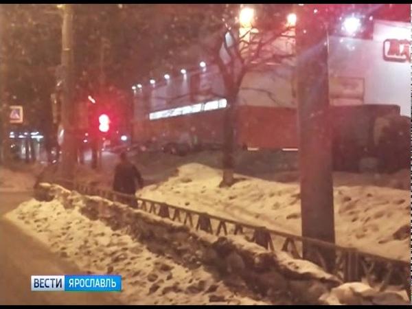 По Дзержинскому району Ярославля разгуливал молодой человек с пистолетом в руках