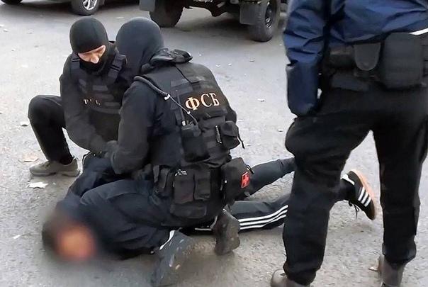 Масштабное задержание в Татарстане: ФСБ накрыла ячейку ИГ Федеральная служба безопасности России разоблачила очередную законспирированную террористическую ячейку, связанную с запрещенной в