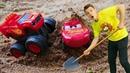 Игрушки из мультиков Чудо Машинки и Тачки. Видео для детей Веселая Школа