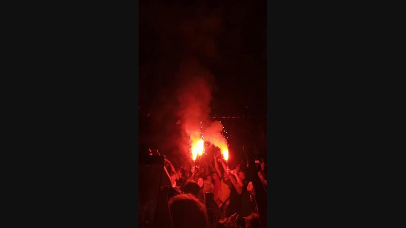 Грот в СПб зажигает земляки могут