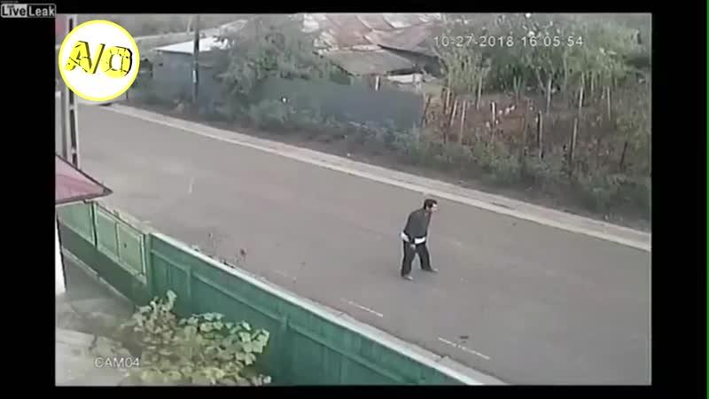 Обычное утро в русской деревне В Твин Пикс нервно курят в сторонке