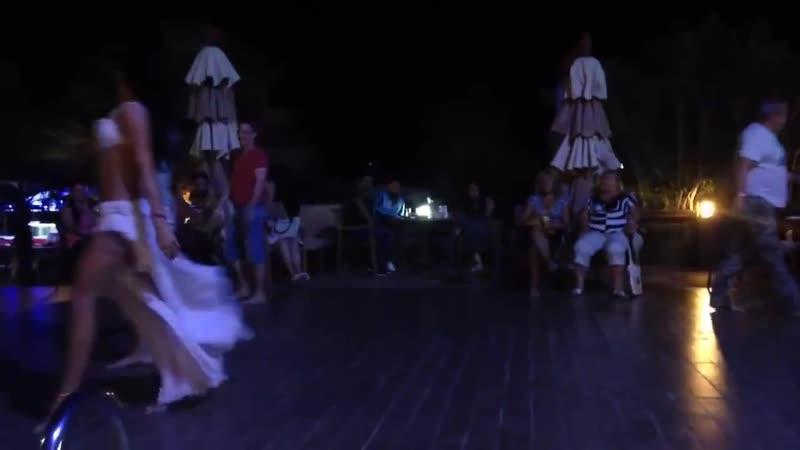 ქართველმა ბიჭმა თურქ მოცეკვავე გოგოს თავი არ გაამასხარავებინა