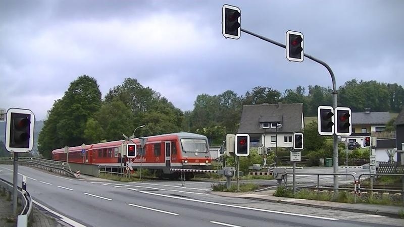Spoorwegovergang Bestwig (D) Railroad crossing Bahnübergang