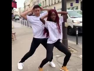 Afrodance in the street