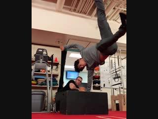 Luka / Прыжок в высоту ( 40 см ) на руке