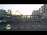Момент утреннего ДТП на танке в Иркутске