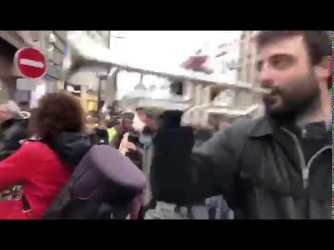 Русский вальс на улицах Парижа.