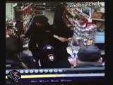 В Калининграде девушка-полицейский решила прикарманить 200 рублей, которые при ней обронил маленький мальчик.