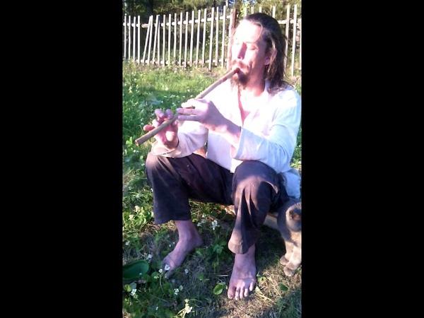 Игра на бамбуковой флейте СЯО ТИ