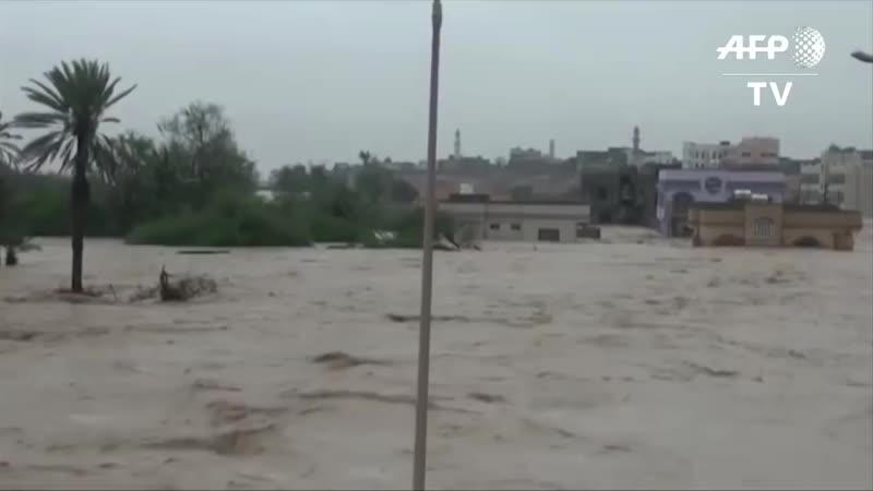 Aftermath of cyclone Luban in Eastern Yemen