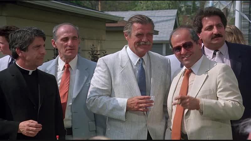 Над законом (1988)