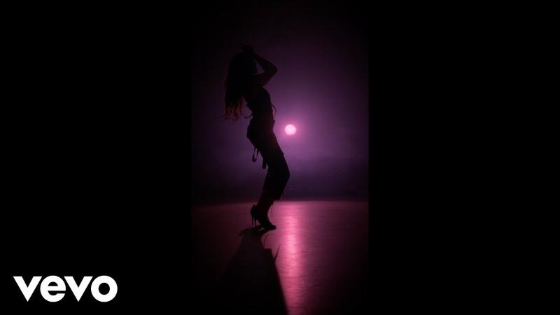 Leslie Grace Noriel Duro y Suave Vertical Video