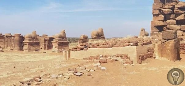 Древние пирамиды в Судане, которые были построены тысячи лет назад и которые сейчас нелегко посетить