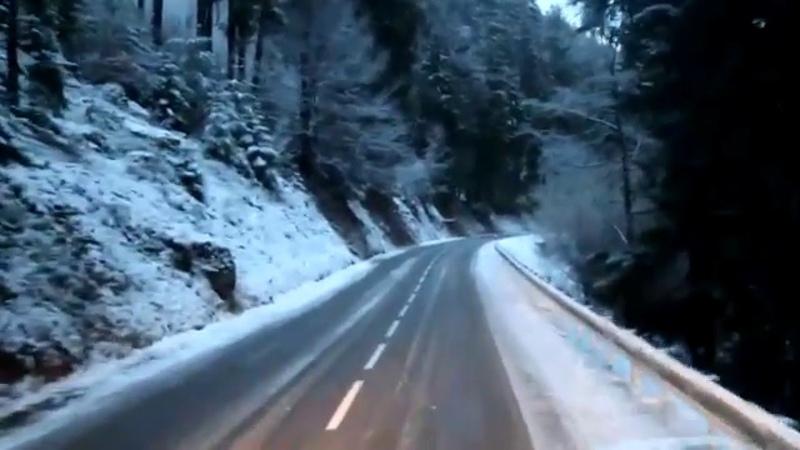 Свежий снег и живописная горная дорога во Франции смотреть онлайн без регистрации