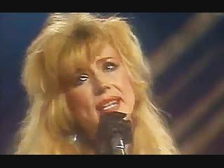 Кружит музыка - Маша Распутина (Песня 90) 1990 год (В. Добрынин - Л. Дербенёв)