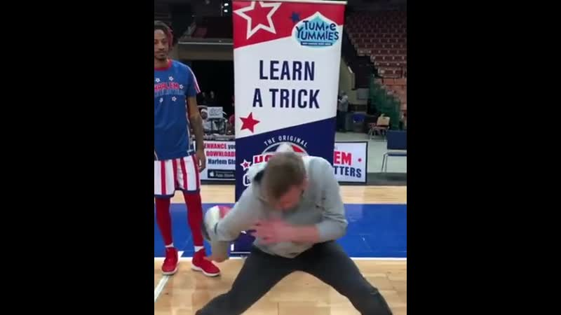 The-Harlem-Globetrotters-thought-they-were-teaching-this-guy-a-new-basketball-trick.mp4