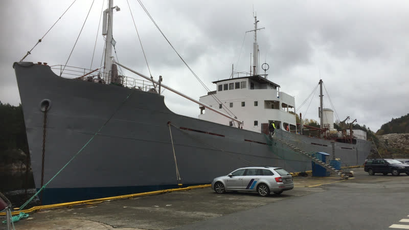 En av Alvar Olssons gamla båtar som ska släpas till Kristiansand och bli museum.