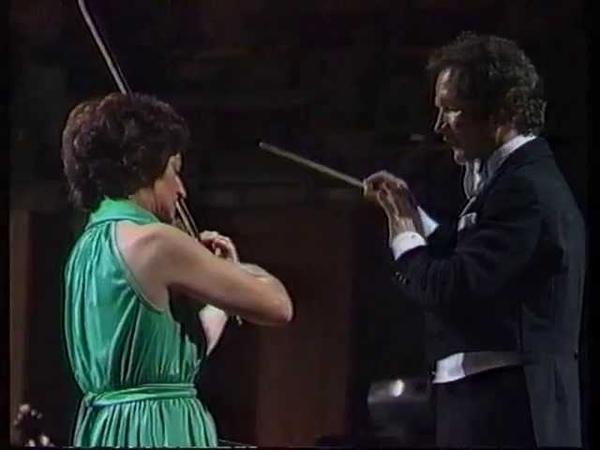 Szymanowski Violin Concerto No 1 Wanda Wilkomirska, Sydney Symphony Orchestra