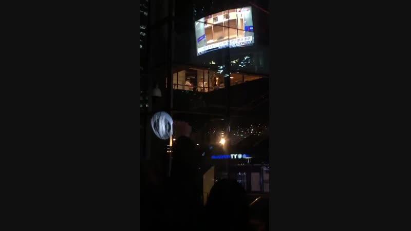 Mingi and hongjoong interacting with fans