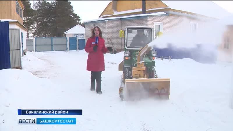 Народный умелец из Башкирии своими руками собрал снегоуборочную машину