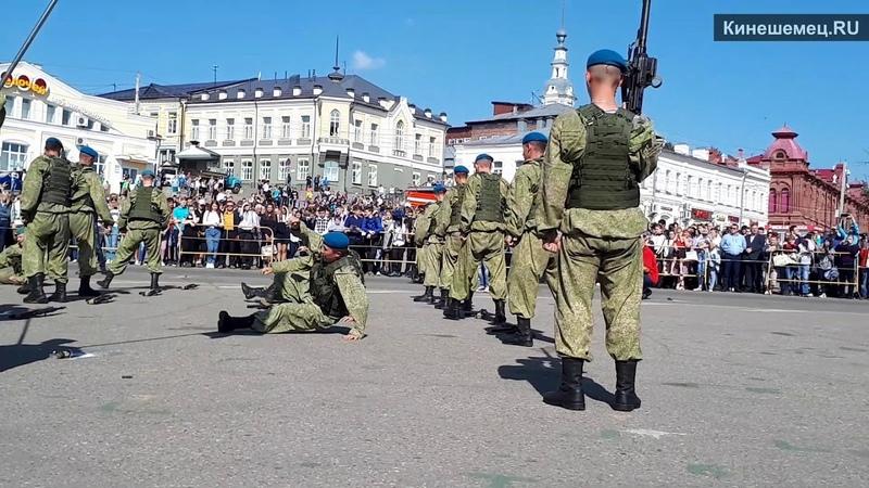 Выступление разведчиков из 217-го парашютно десантного полка