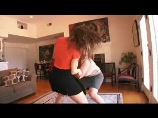 Erika jordan and sara jay hot cat fight turns into lesbian sex .