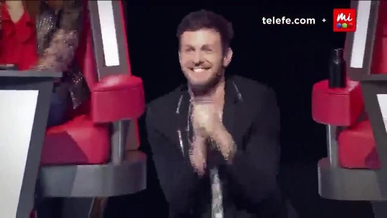 La Voz Argentina on Instagram ¡@Axeloficial se arrodilló por Lucila 🤩 Quedó impresionado por su música y se la disputa con @Sole pastoruti 😅 ¿A
