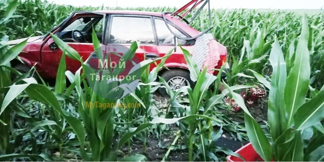 Под Таганрогом перевернулся «Москвич», водитель погиб