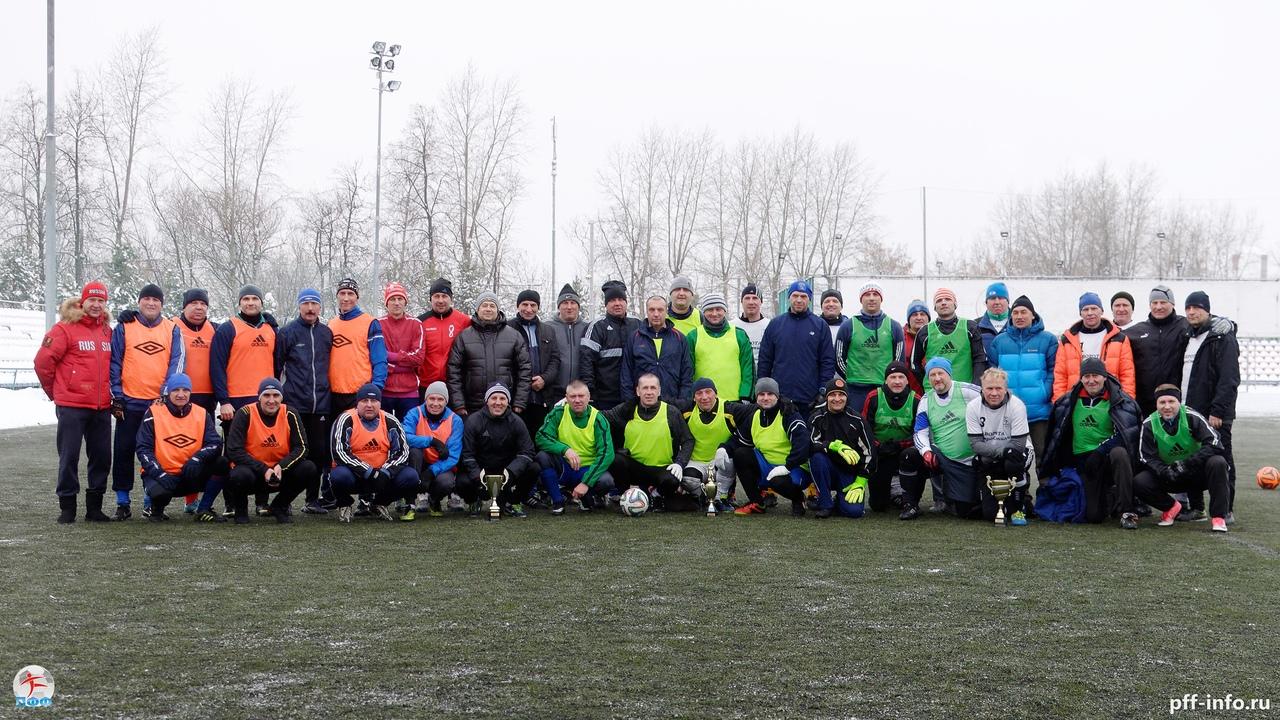 Ветераны «Витязя» выиграли Новогодний турнир 45+