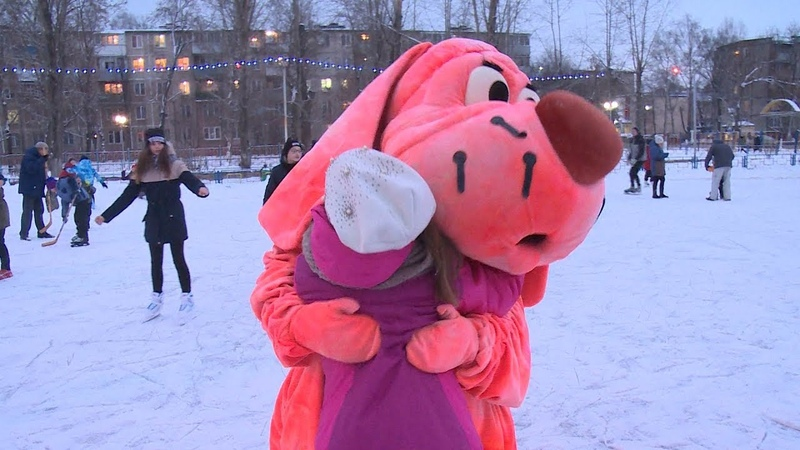 Каток открылся в Детском городке на Комарова